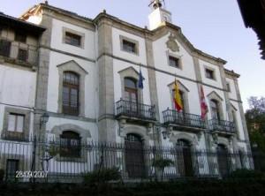 Fachada-del-Ayuntamiento-de-Candelario-300x222