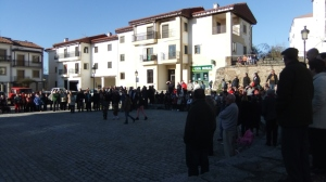 Ciudadanos en la concentración del Humilladero