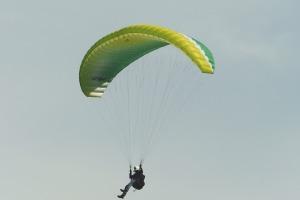 paraglider-1644995_960_720