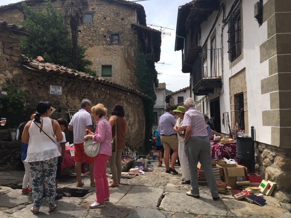 Récord de recaudación en el mercadillo solidario de El Sornabique en Candelario