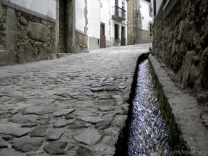 calle-con-regadera-candelario_DSCN2485_1200px